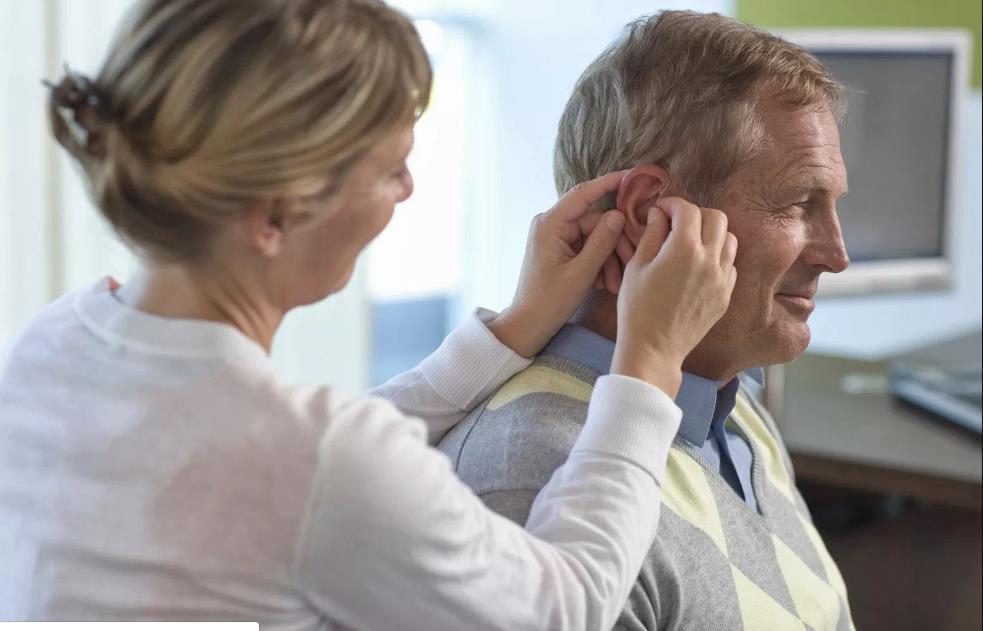 подбор слухового аппарата в москве